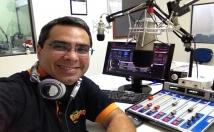 Gravar locuções profissionais em português do Brasil